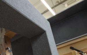 dünne Betonplatten zusammengefügt