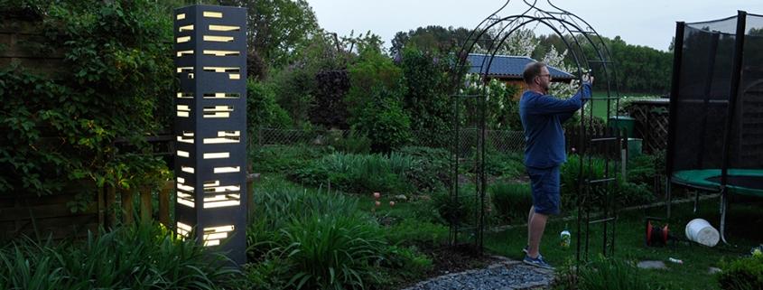 Garten mit Lichtobjekt beim Fotoshooting
