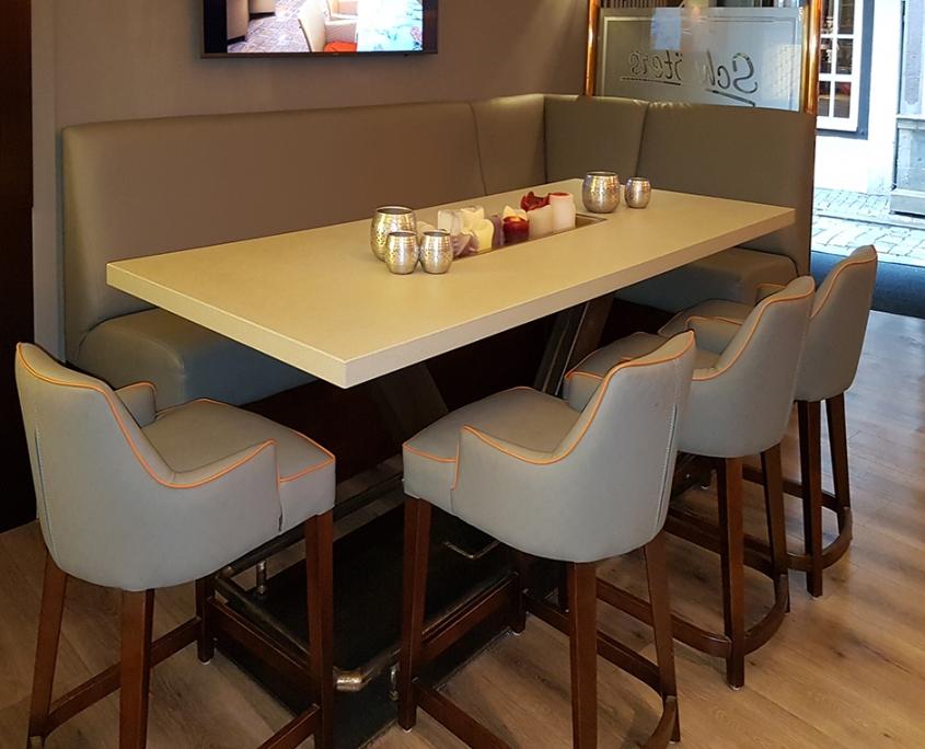 Betontisch Stahlgestell Schroeters Restaurant Cafe