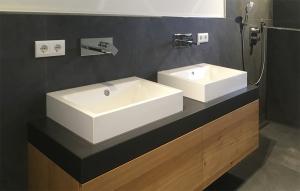 Doppelwaschtisch aus Beton Waschtischunterschank Holz