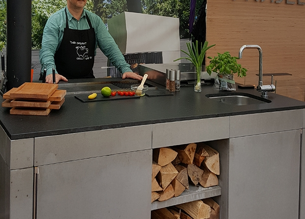 Outdoorküche Zubehör Berlin : Outdoorküche mit holzbefeuerung auf der home & garden berlin u2013 blog