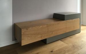 Sideboard aus Holz und Beton