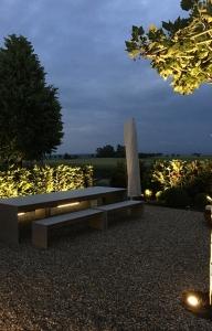 Betontisch Betonbank Terrasse Garten