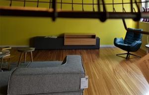 Betonsideboard Holzaufsatz